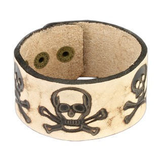 Leather bracelet with pirate skull design