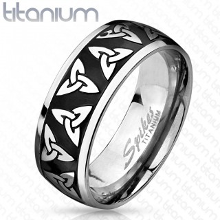 Titanium ring with Triquetra pattern and black centre