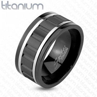 Black ring with silver lines and gear Spinner