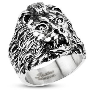Ring with head of a lion
