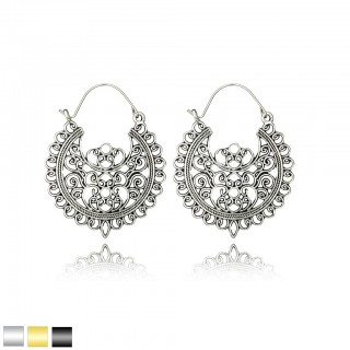 Antique floral patterned hollow earrings of filigree