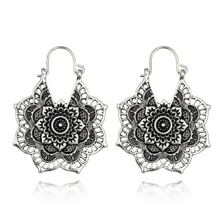 Antique silver coloured pointed floral earrings with dark inlay