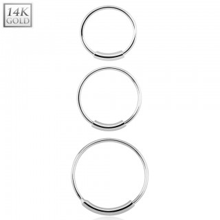 14 kt. white gold nose ring with bar
